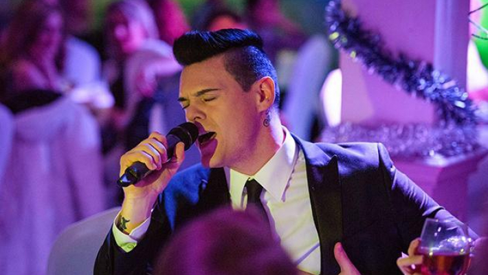 Christmas Tribute Night with Robbie Williams